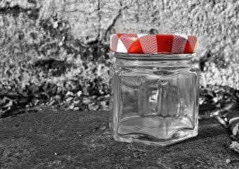 Campanha arrecada frascos de vidro para bancos de leite humano