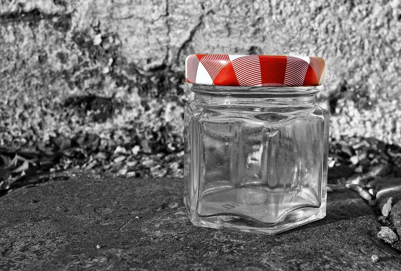Campanha arrecada frascos de vidro