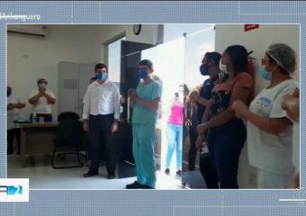 Retorno emocionante do médico Lucas Manrique ao Hutrin ganha destaque na mídia