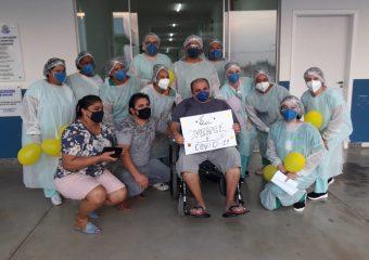 Hospital Regional de Luziânia celebra a alta de mais seis pacientes curados da Covid-19