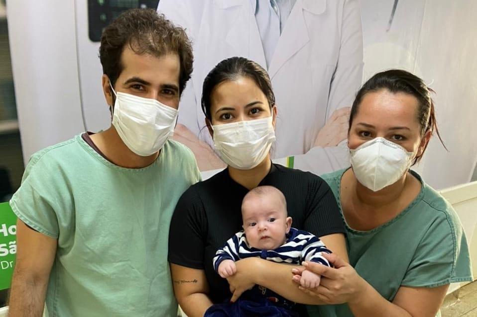 Bebê Mateus Alcântara nasceu prematuro no HRSLMB