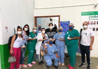 Paciente homenageia profissionais do Hospital Estadual de Formosa